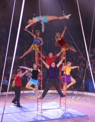 Triton_Troupers_Circus